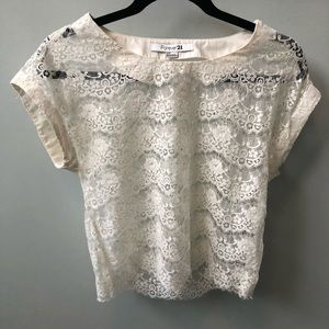 Cropped Boxy lacy top - size small